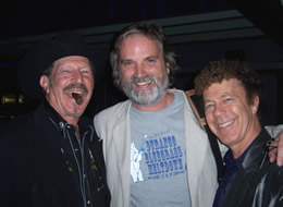 Texas gubernatorial candidate Kinky Friedman, Sid Griffin, and Little Jewford discuss religion at London's Jazz Cafe, Sept. 2009