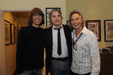 Rolling Stone's David Fricke, Sid & his double chins, and Americana hero Jim Lauderdale backstage at the Country Music Hall of Fame just before Sid's career retrospective Sat Sept. 11, 2010.
