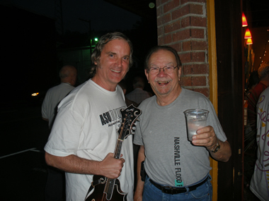Sid with ten time (!) Grammy Award winner Bobby Hicks after sitting in with Mr. Hicks in Marshall, North Carolina on August 5, 2010.